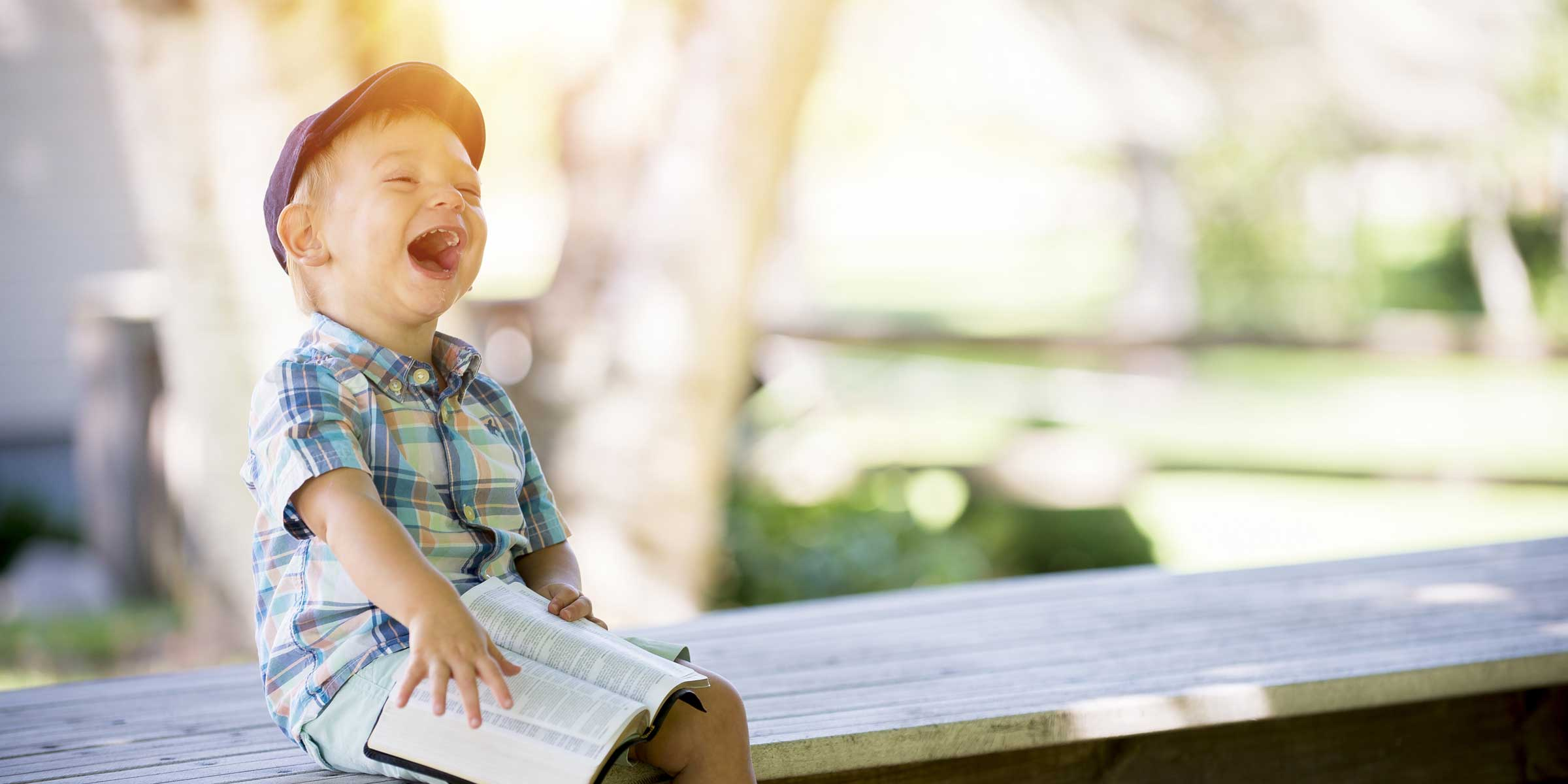 bambino con sindrome di Down sorridente